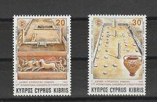 v808 Zypern/ Pferdekutschen-Kunst  MiNr 849/50 **