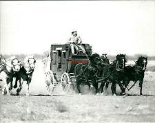 Photo argentique Western diligence Far West Cinéma attelage film chevaux cowboy