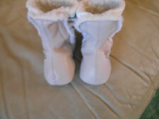 Cute Boots in Grey with Fur & a Grey Embroidered Bear on the side 9-12mths