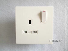 MK AVANT RANGE SINGLE SWITCHED SOCKET - 13A - CLIP ON FACE PLATE - TOP QUALITY