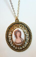 Lovely Looped Vintage Elegant Lady With Hair Ribbon Glass Cameo Pendant Necklace