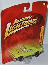 Forever 64 R12 - 1970 PLYMOUTH CUDA 383 - yellow - 1:64 Johnny Lightning
