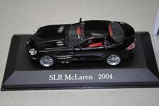 Fahrzeugmodell eines Mercedes Benz SLR Mc Laren (C199) 2004 schwarz Vitrine