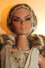 Fashion Royalty Brazen Beauty Natalia Fatale Convention doll  NRFB