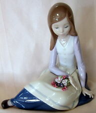 NEW LLADRO #9221 CONTEMPLATIVE YOUNG GIRL BRAND NIB FLOWER SAVE$$ FREE SHIPPING