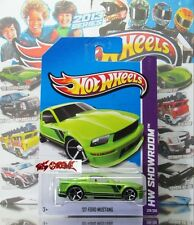 Hot Wheels 2013 #229 '07 Ford Mustang GREEN,OH5SP,BLACK BASE,NICE!