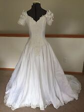Unbranded wedding dress white v-neck short sleeve beaded flower bow ball gown