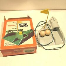 VINTAGE JEFF MFG Electronic PUTTING PARTNER NEW IN BOX + 2 DUNLAP GOLF BALLS.