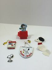 """vintage""""SNOOPY vs RED BARON"""" WIND UP TOY works well note pads and two snoopys"""