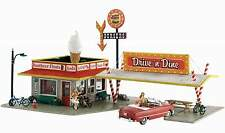 WOODLAND SCENICS BUILT & READY DRIVE 'n DINE N SCALE BUILDING