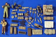 Verlinden 1/35 75mm Sherman Ammo, Stowage Supplies & Crew WWII (2 Figures) 2753
