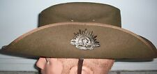 REPRO WW1-WW2 AUSSIE SLOUCH HAT - NEW MINT COMPLETE WITH BADGE - FUR FELT