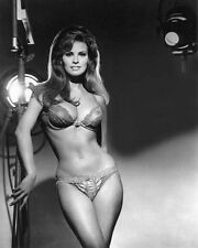 RAQUEL WELCH SEXY Bra and Panties Behind the scenes 8x10 PHOTO #7279