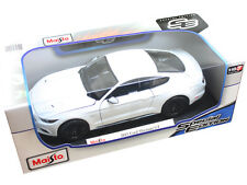 Maisto 2015 Ford Mustang GT 1:18 Diecast Model Car White