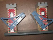 THOMAS THE TRAIN Brio WOODEN RAILWAY Track Wood Lift CASTLE Lifting DRAW BRIDGE