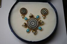 Vintage  Signed Avon PRPC Cancun 2006 Brooch Avon  Clip Earrings/ box/ turquoise
