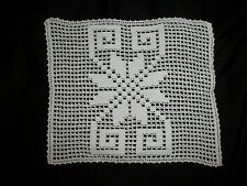 """VINTAGE HAND CROCHET WHITE TABLE CLOTH CENTERPIECE DOILY SIZE 12""""x10""""   INCH"""