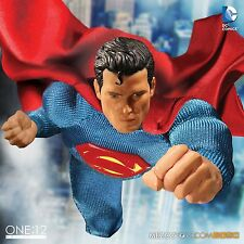 MEZCO TOYZ  ONE:12 COLLECTIVE DC Universe:Superman PRE-ORDER 6 Inch figure