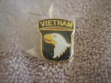 ARMY HAT PIN. 101st AIRBORNE DIVISION VIETNAM