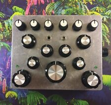 Six Oscillator Modulation Machine // LFO + Delay + CV // Circuit Bent Synth Box