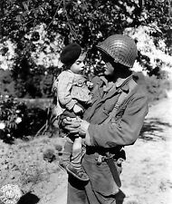 WW2 Photo WWII US Soldier French Child Normandy June 1944  World War Two /1454