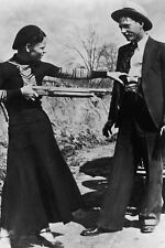 New 5x7 Photo: Bonnie Parker and Clyde Barrow, Depression-Era Outlaws