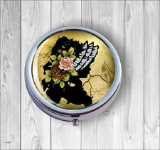 VICTORIA STYLE VINTAGE WOMAN SILOUHETTE WITH FLOWERED HAT #5 PILL BOX ROUND -b7Z