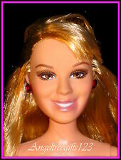 Nude Hilary Duff smiling face sculpt Long blonde hair brown eyes
