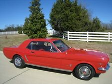 Ford: Mustang Auto Coupe