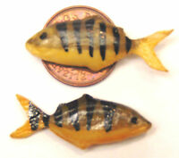 1:12 Scale 2 Loose Fish For A Dolls House Miniature Kitchen Or Shop Accessory Z