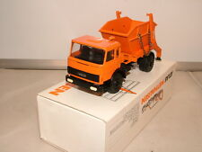 Conrad model of the Iveco 2 axled skip lorry VNMB