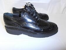 PRADA womens wing-tip oxfords 38.5 8.5 US shoes, Excellent condition