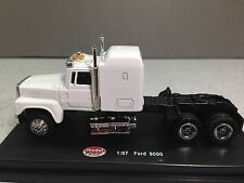 HO 1/87 Model Power # 20602 Ford 9000 Tractor - White