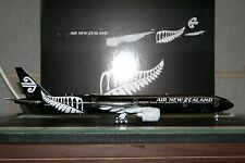 JC Wings 1:200 Air New Zealand Boeing 777-300ER ZK-OKQ 'New All Blacks' (XX2238)