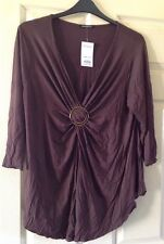 Evans Brown Gathered in the Middle Metal Gold Buckle Top Size 22 BNWT