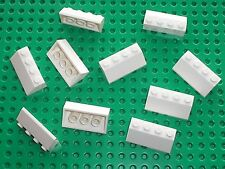 10 x LEGO white Slope Brick ref 3037 / Set 10214 7191 7661 6932 10019 9748 6696