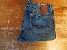 GUESS CLIFF 1981 RELAXED FIT JEANS (EUC) SIZE 32X26 VERY NICE
