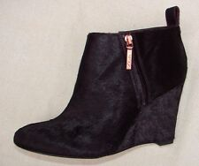 """LORENZO OCEAN"" Women/Ladies WINE INTREST LEATHER Boots size 6 D."
