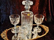 EXQUISITE VINTAGE CLASSIC CRYSTAL DECANTER& 3 WINE GLASSES.
