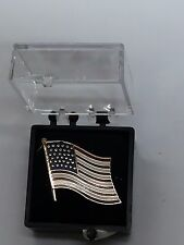 DISTINTIVO METALLO BANDIERA AMERICANA SPILLA USA UNITED STATES FLAG METAL PIN US