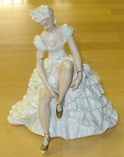 Tänzerin # Schaubach - Kunst # Ballerina sitzend 1318 #