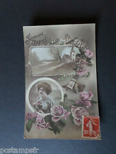 CPA FRANCE thème, JOYEUSES PAQUES, FEMME, FLEURS, CLOCHES, ROSES, VF PC EASTER