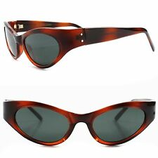 True Vintage Fashion Deadstock Classic Womens Stylish Brown Cat Eye Sunglasses