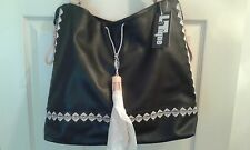 NWT LATIQUE WOMENS MOROCCO TOTE/HANDBAG BLACK FAUX LEATHER MSRP $98  (T011K)