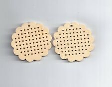 2 Pcs Wood Charm Pendants Flower Natural (cross stitch or embroidery)