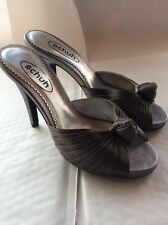 Shoes - Schuh - Ladies High Heels - Silver Satin - Peep Toe Mules - Size 37