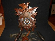BLACK FOREST GERMAN WOODEN CUCKOO CLOCK