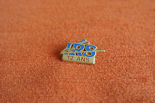 17877 PIN'S PINS ARTHUS BERTRAND IRS RENAULT PARTS FOURNISSEUR