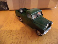 spot on triang land rover code 3 1/42 scale great model  please see pictures