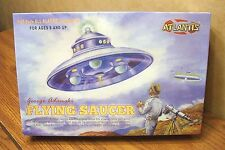 ATLANTIS MODELS GEORGE ADAMSKI FLYING SAUCER 1/60 SCALE MODEL KIT